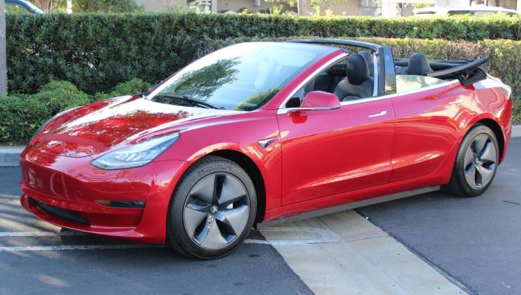 Инженеры Newport Convertible Engineering сделали кабриолет из Tesla Model 3